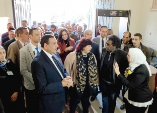 وزيرة الثقافة تتفقد قصر «ثقافة دمنهور» ومركز الإبداع الفني