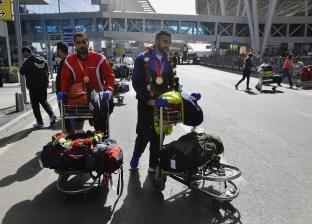 بعثة النادي الأهلي تغادر لدبي لمواجهة فريق الوصل الإماراتي