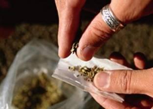 ضبط شخصين حاولا تهريب مخدرات لذويهما بسجن المنيا