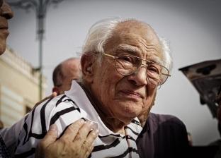 """""""ممتن للرئيس السيسي"""".. رشوان توفيق يبكي على رحيل زوجته"""