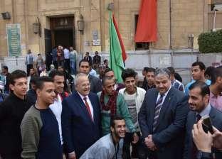 بالصور  الخشت يتفقد سير المرحلة الأولى لانتخابات اتحاد الطلاب