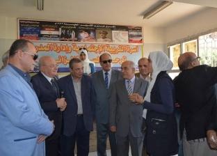 رئيس جامعة الزقازيق يشارك في قافلة شاملة بقرية في ههيا