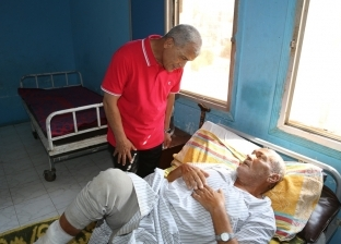 """محافظ المنوفية يتفقد مستشفى ومركز شرطة ويوجه بتطوير مسجد بـ""""الشهداء"""""""