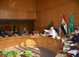 محافظ الإسماعيلية يوجه رؤساء الوحدات المحلية بالتفاعل مع المواطنين