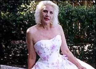 """""""ضاجعها 3 سنوات"""".. مغنية أمريكية تحكي مغامرتها الجنسية مع كائن فضائي"""