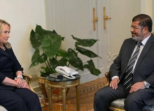 بريد هيلاري.. رسالة من كلمتين تكشف دفع أمريكا بمرسي لحكم مصر