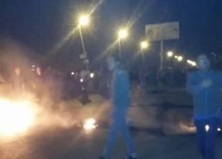 الأهالي يقطعون طريق الأحرار بالزقازيق احتجاجا على مصرع شاب في حادث تصادم