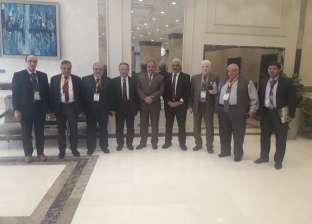 تكريم قيادات مؤتمر أمراض الباطنة بجامعة الأزهر