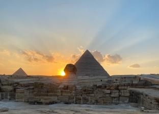 ظاهرة فلكية متميزة.. أسرار غروب الشمس على كتف تمثال أبوالهول