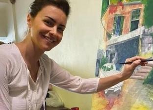 بعد 21 عاما.. نور تستعرض موهبتها في الرسم في زمنين مختلفين