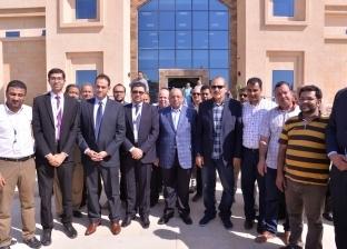 بالصور  وزير التنمية المحلية ومحافظ أسيوط يتفقدان المنطقة التكنولوجية