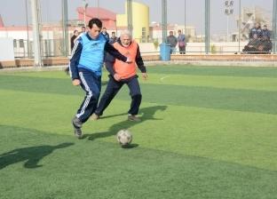 الفريق يونس المصري يشارك وزير الشباب والرياضة بمباراة كرة قدم خماسية