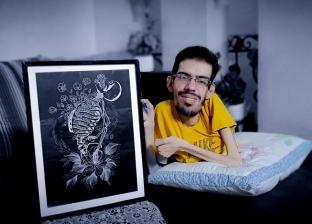 أجبره «ضمور العضلات» على العزلة وأعاده الرسم للنور.. «الدلو» مُلهم فلسطيني: «كافحوا من أجل أحلامكم»