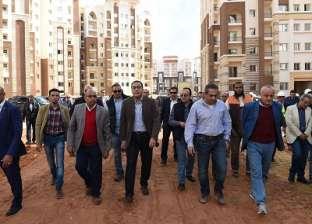 رئيس الوزراء يتابع مع محافظ الجيزة حملات إزالة المباني المخالفة