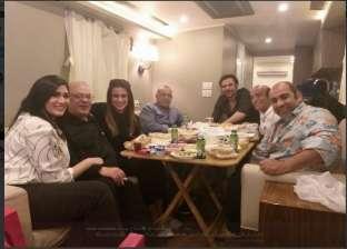 """صلاح عبدالله ينشر صورته مع أسرة """"هوجان"""": """"على السحور قبل وش بهلول"""""""