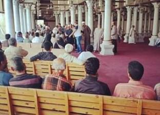 """توزيع لحوم صكوك الأضاحي بمسجد """"عمرو بن العاص"""" في دمياط"""