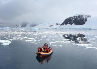 نيازك وشلالات دموية.. أغرب الحقائق عن القطب الجنوبي