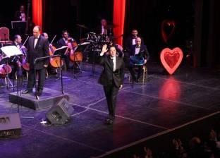 بالصور| مدحت صالح يحيي الليلة الأولى من ليالي عيد الحب بالأوبرا