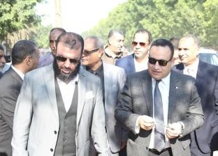 محافظ الإسكندرية يتفقد مدرسة ابتدائية في العامرية