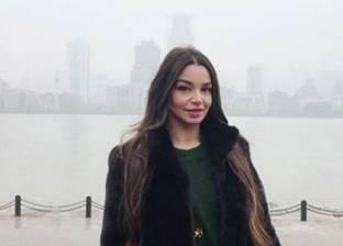 بعد رحلتها في روسيا.. الراقصة جوهرة تعود إلى مصر لاستكمال نشاطها الفني