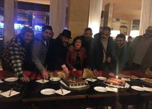 بالصور| أسرة «كازبلانكا» تحتفل بعيد ميلاد عمرو عبدالجليل بالمغرب