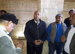 """رئيس جامعة المنيا يتفقد أعمال بعثة الحفائر في """"تونا الجبل"""""""