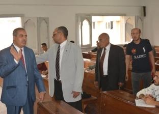 رئيس جامعة الأزهر يتفقد لجان امتحانات نهاية العام الدراسي بالكليات