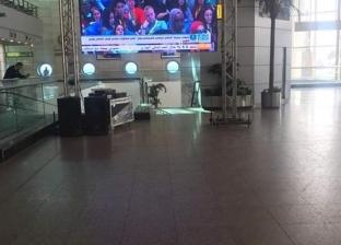 جلسات منتدى شباب العالم على شاشات صالات السفر والوصول بمطار القاهرة