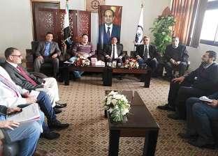 رئيس جامعة العريش يناقش استعدادات افتتاح أول كلية طب بيطري