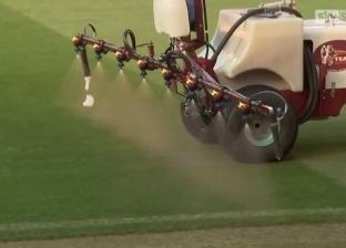 """لماذا يرش مانشستر يونايتد أرضية ملعبه بـ""""الثوم"""" قبل لقاء ليفربول؟"""