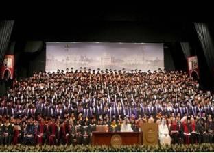 سلطان يشهد حفل تخريج طلبة الجامعة الأمريكية في الشارقة لفصل الربيع 2016