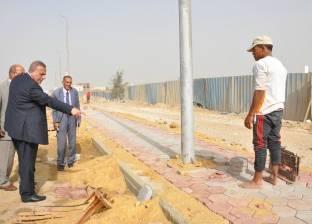 محافظ الجيزة يطالب رؤساء الأحياء بمراجعة بالوعات تصريف مياه الأمطار