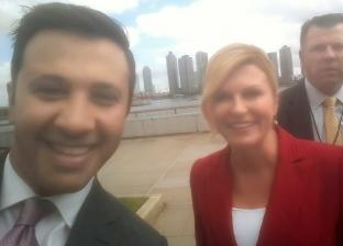 """عمرو خليل يلتقط """"سيلفي"""" مع رئيسة كرواتيا في الأمم المتحدة"""