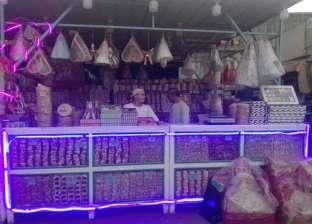 """شوادر مولد النبي في """"كورونا"""": البيع بالقطعة وعروسة هدية مع علبة حلاوة"""