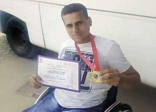 حادث سيارة يغير حياة «محمود»: رياضة وتمثيل ورقص على كرسى متحرك