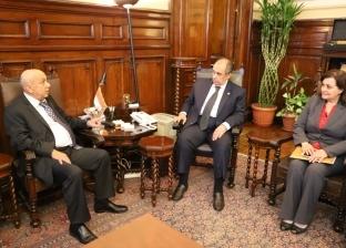 """بحث حفر آبار في مطروح ودعم مصر بسلالات من الماعز الدمشقي مع """"أكساد"""""""