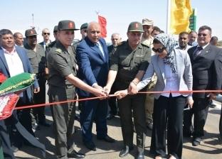 محافظ الوادي الجديد يفتتح محطتي وقود وطنية بمركزي الخارجة وباريس