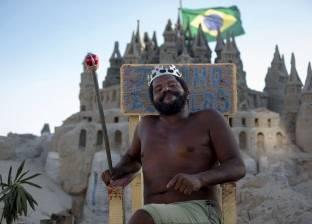 برازيلي يقضى 22 عاما في قصر من الرمال
