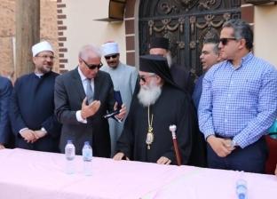 رئيس دير سانت كاترين يهدي تكريمه لمستشفى الجلاء بالقوات المسلحة