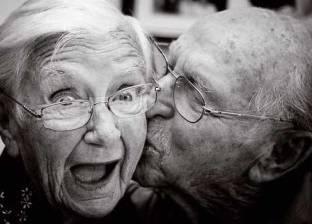 دراسة: السعادة الزوجية ترفع فرص البقاء على قيد الحياة بنسبة 70%