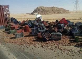 """غلق جزئي لطريق """"مطروح - إسكندرية"""" بسبب سقوط حمولة أسمنت"""