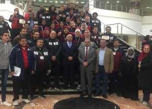 بالصور| «عبدالغفار» يتلقى تقريرا عن «أسبوع شباب الجامعات»