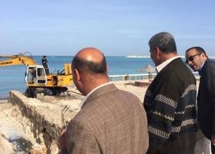 إحالة المسؤولين بواقعة فتح مياه الصرف على البحر بمطروح للتحقيق