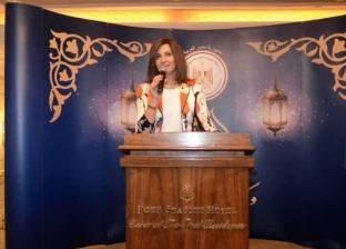 وزيرة الهجرة تهنئ يحيى عنتر لفوزه بجائزة عالمية في الهندسة الكهربائية