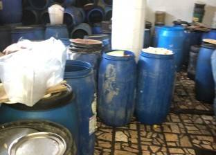ضبط مصنعين للمخللات والحلويات ومحطة وقود دون ترخيص بالقناطر