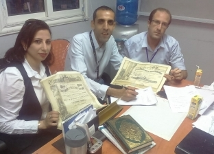 """""""الآثار"""" تتسلم مجموعة جديدة من المضبوطات الأثرية من مطار القاهرة"""