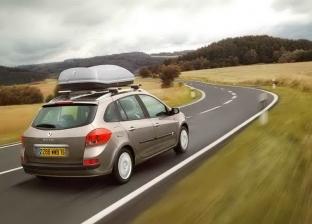 5 نصائح يجب اتباعها قبل السفر بالسيارة.. منها التأكد من سلامة الإطارات