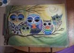 «مايا» بين الرسم وعلم النفس: لوحات بـ«بواقي المكياج»