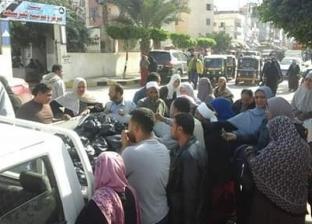 بالصور| توفير سيارات لبيع البطاطس بأسعار مخفضة في كفر سعد