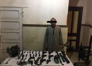 ضبط فلاح وعاطل حولا منزليهما لورشتي تصنيع أسلحة نارية في أسيوط